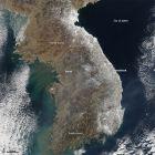 卫星图像:朝鲜半岛的暴雪