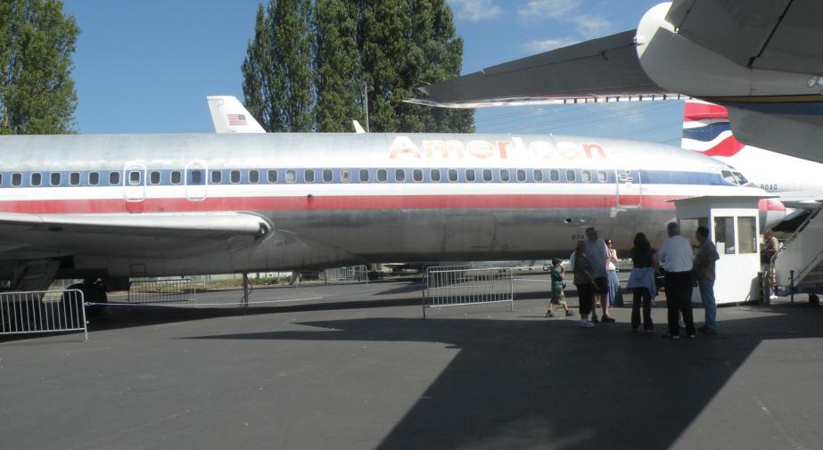 波音公司博物馆广场的大型飞机展示