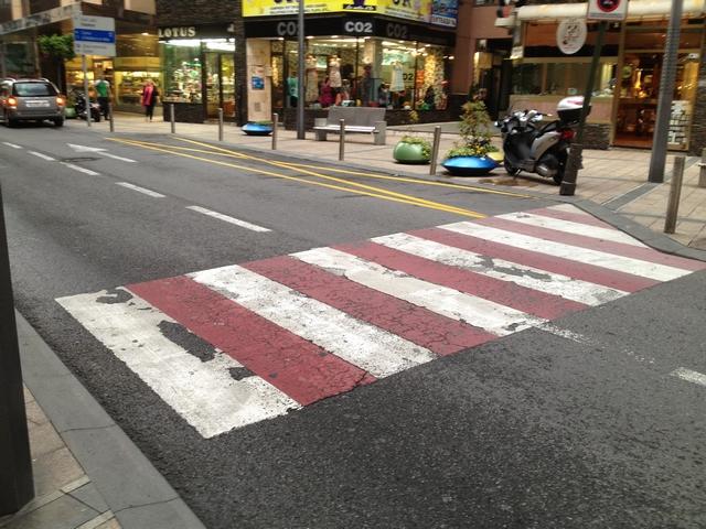 人行道高清图片