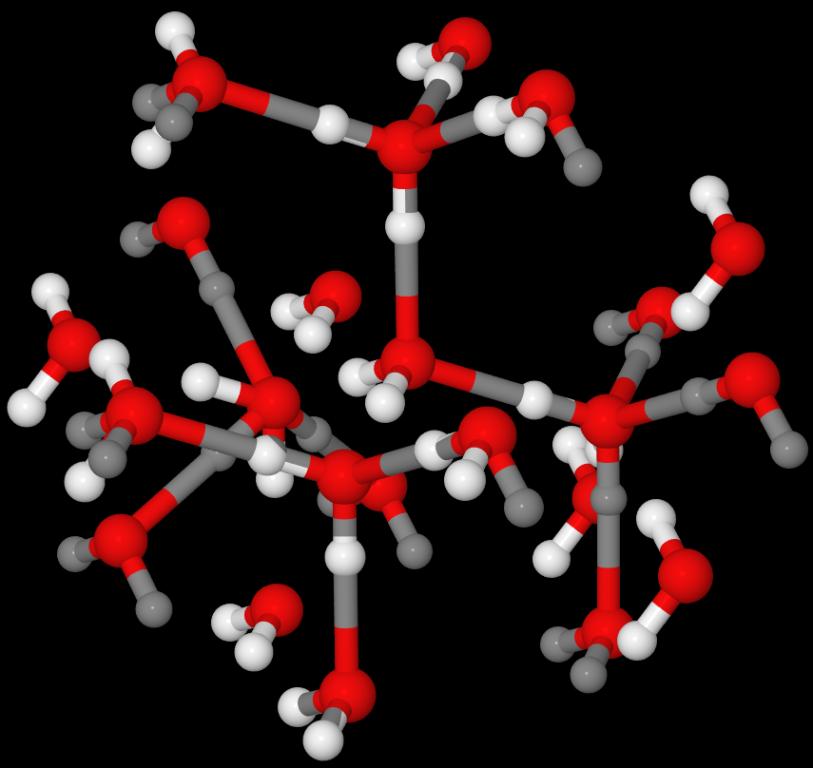 中心水分子形成四条氢键