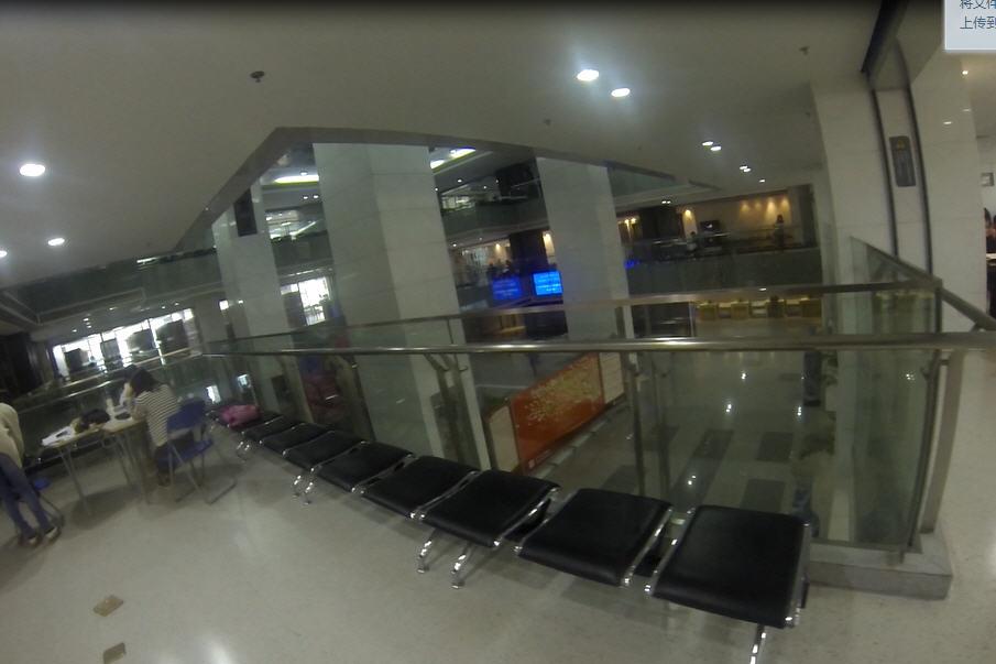 北京师范大学新图书馆大厅和二层厅掠影