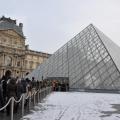 大雪卢浮宫