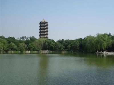 北京原燕京大学未名湖