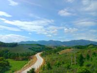 故乡的山,故乡的路