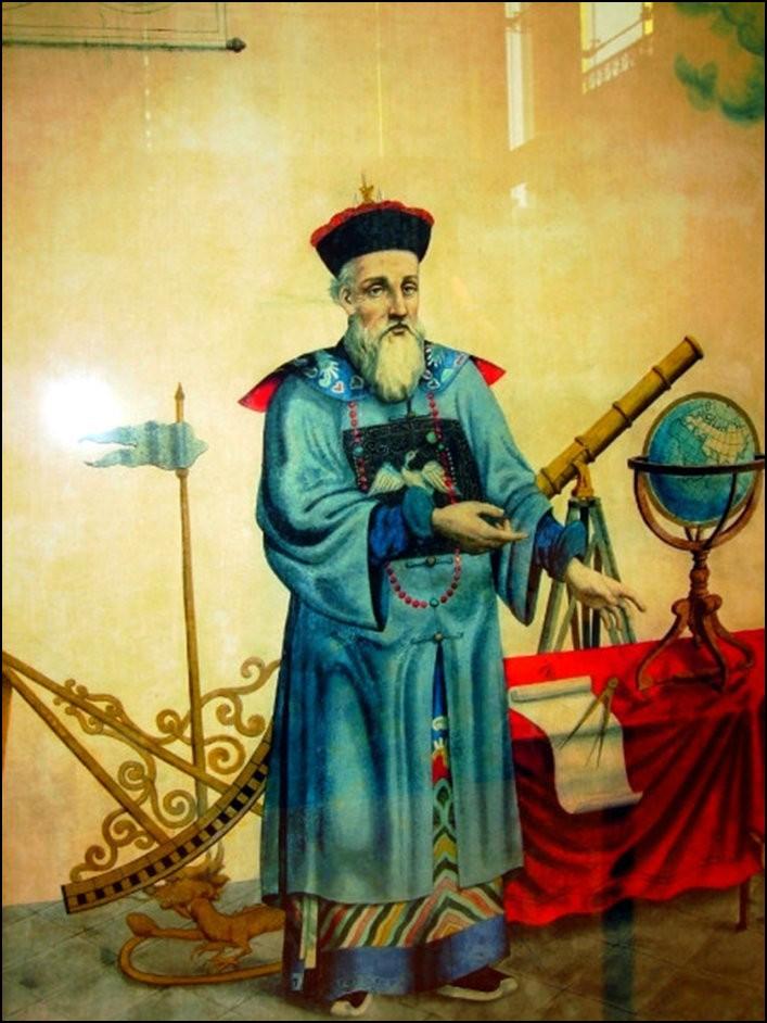 1667年,14岁的康熙亲政,他着手处理杨光先控告汤若望案.