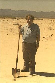 220px-Ronald_Drever_LIGO_Hanford_1993.jpg