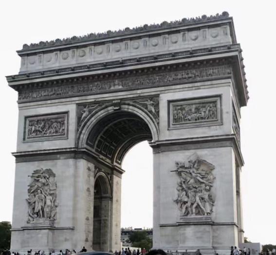 巴黎凯旋门.jpg