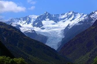 新西兰最高山脉阿尔卑斯山(在南岛 ).jpg