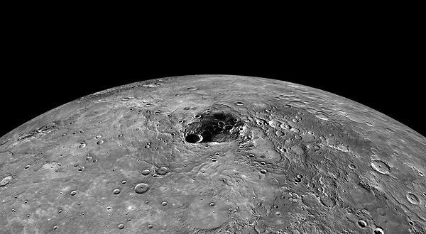 North_pole_of_Mercury_--_NASA.jpg