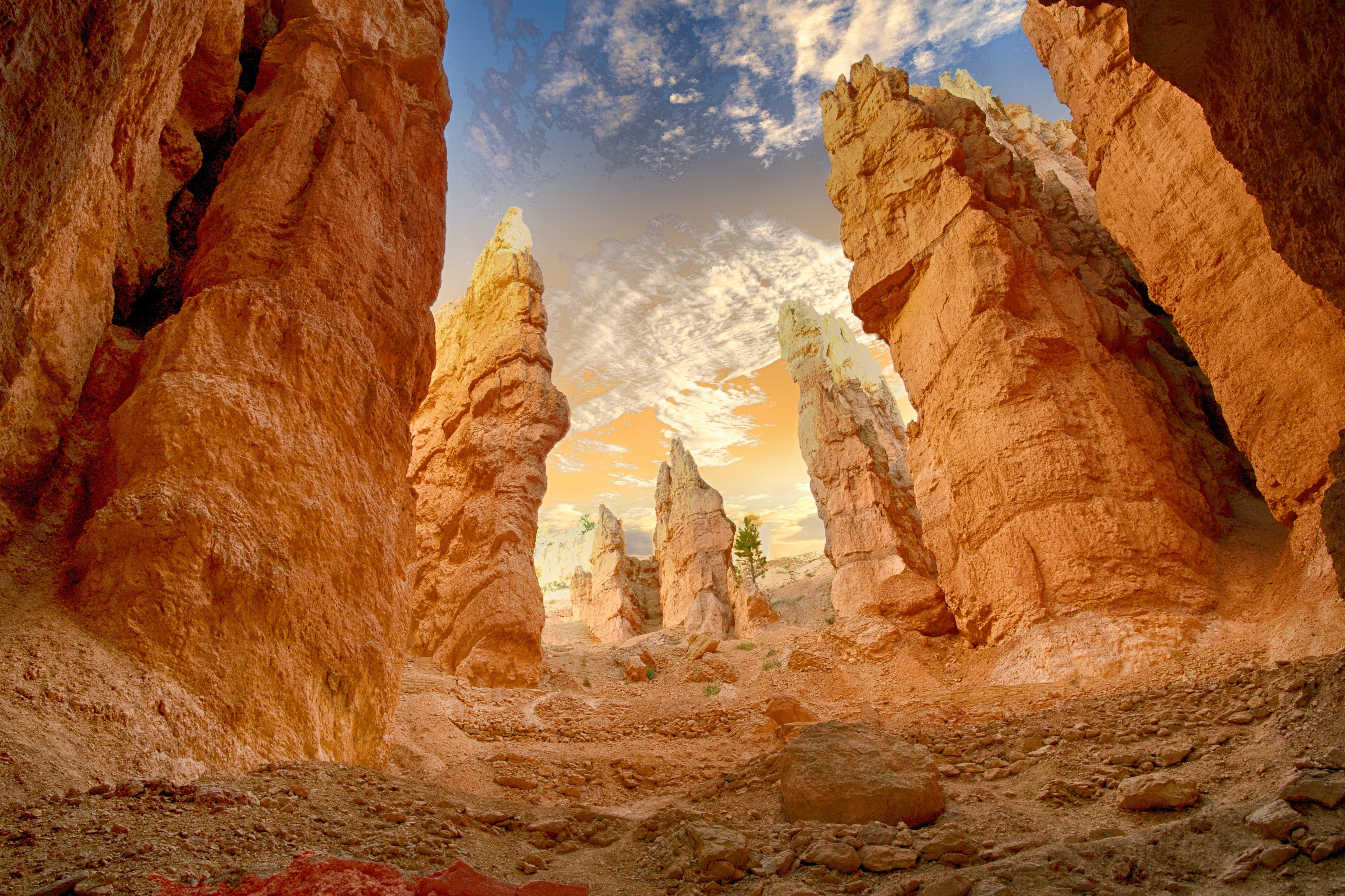 canyon-cliff-desert-414110.jpg
