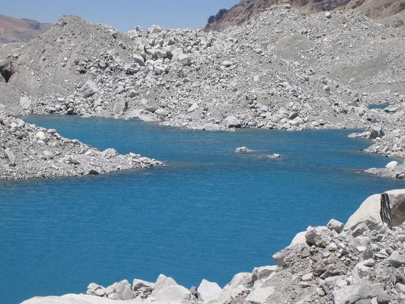 绒布冰川冰碛湖1 - 副本.JPG