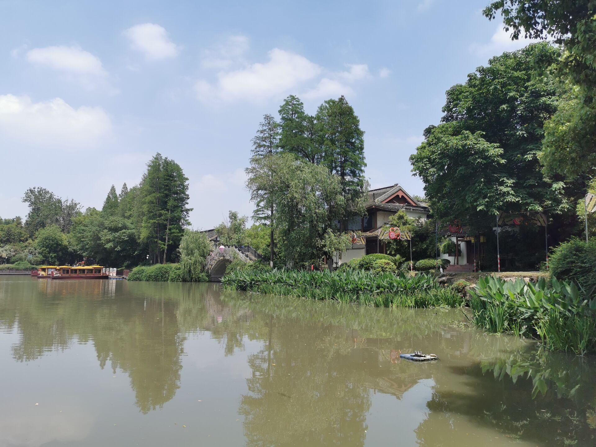 南京白鹭洲公园01.jpg