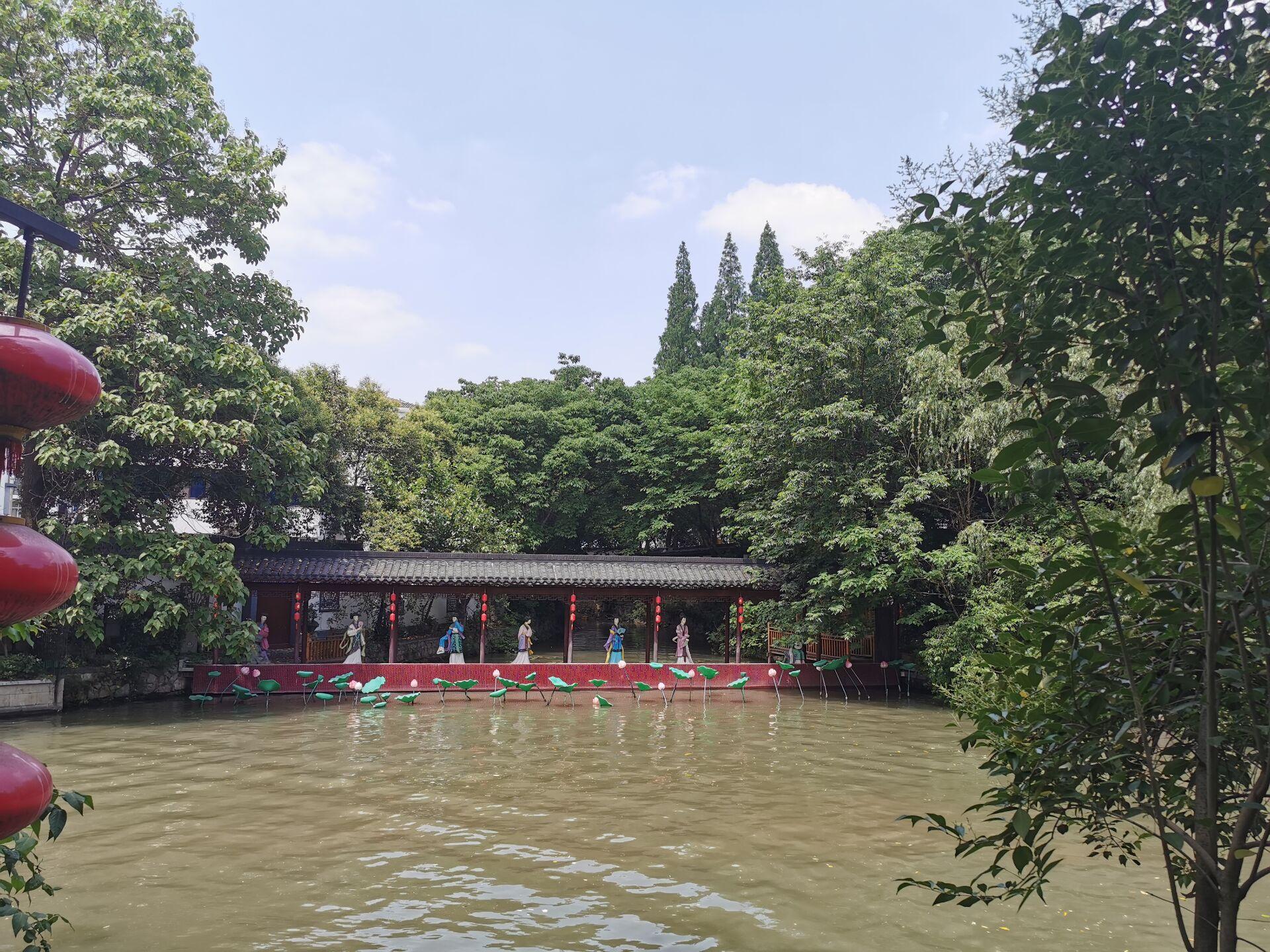 南京白鹭洲公园14.jpg