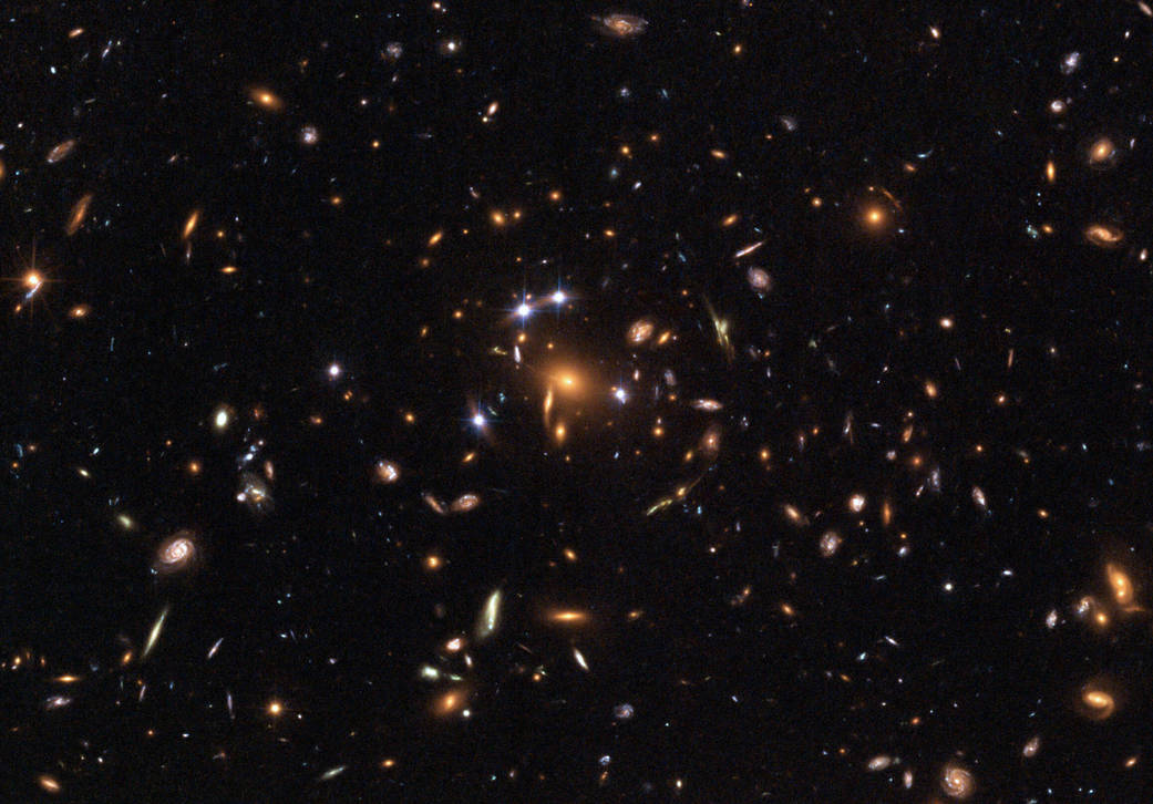 2008 Hubble Captures A  Five-Star  Rated Gravitational Lens.jpg