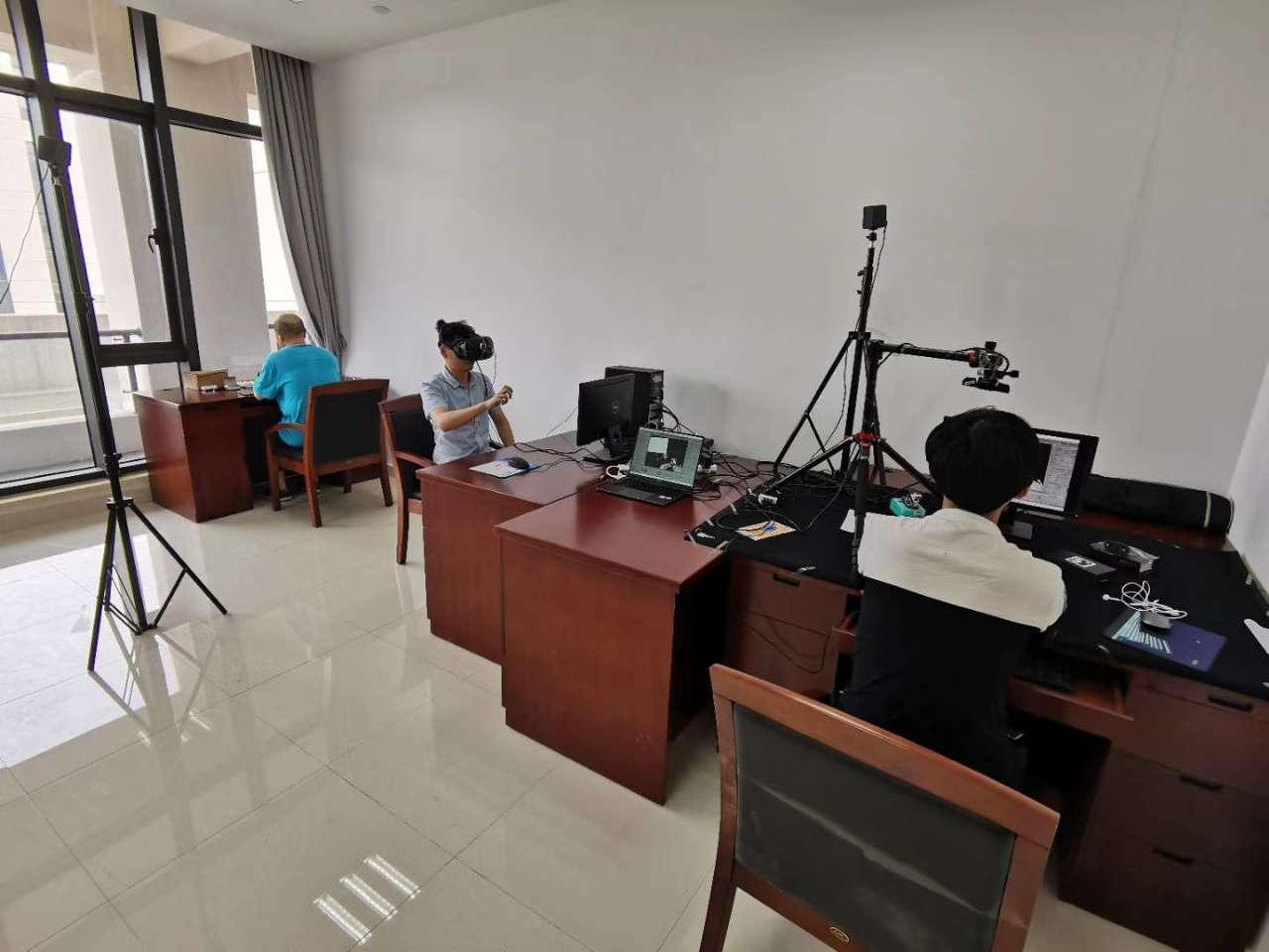 实验室MR和VR(头显套件).jpg
