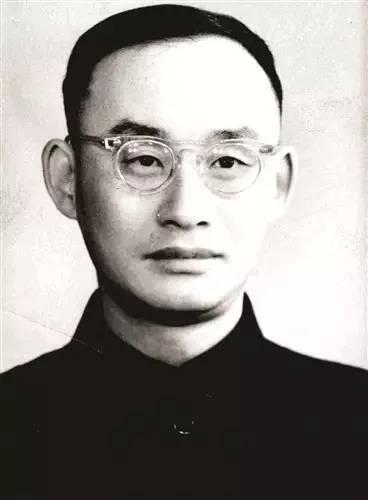 包九中教师陆家羲:登上世界高峰的数学家.jpeg