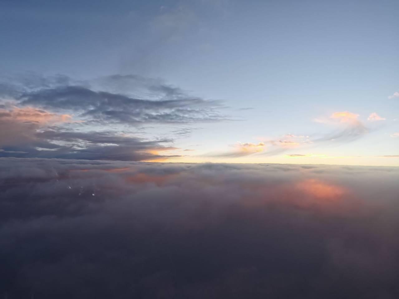 空中看落日1.jpg