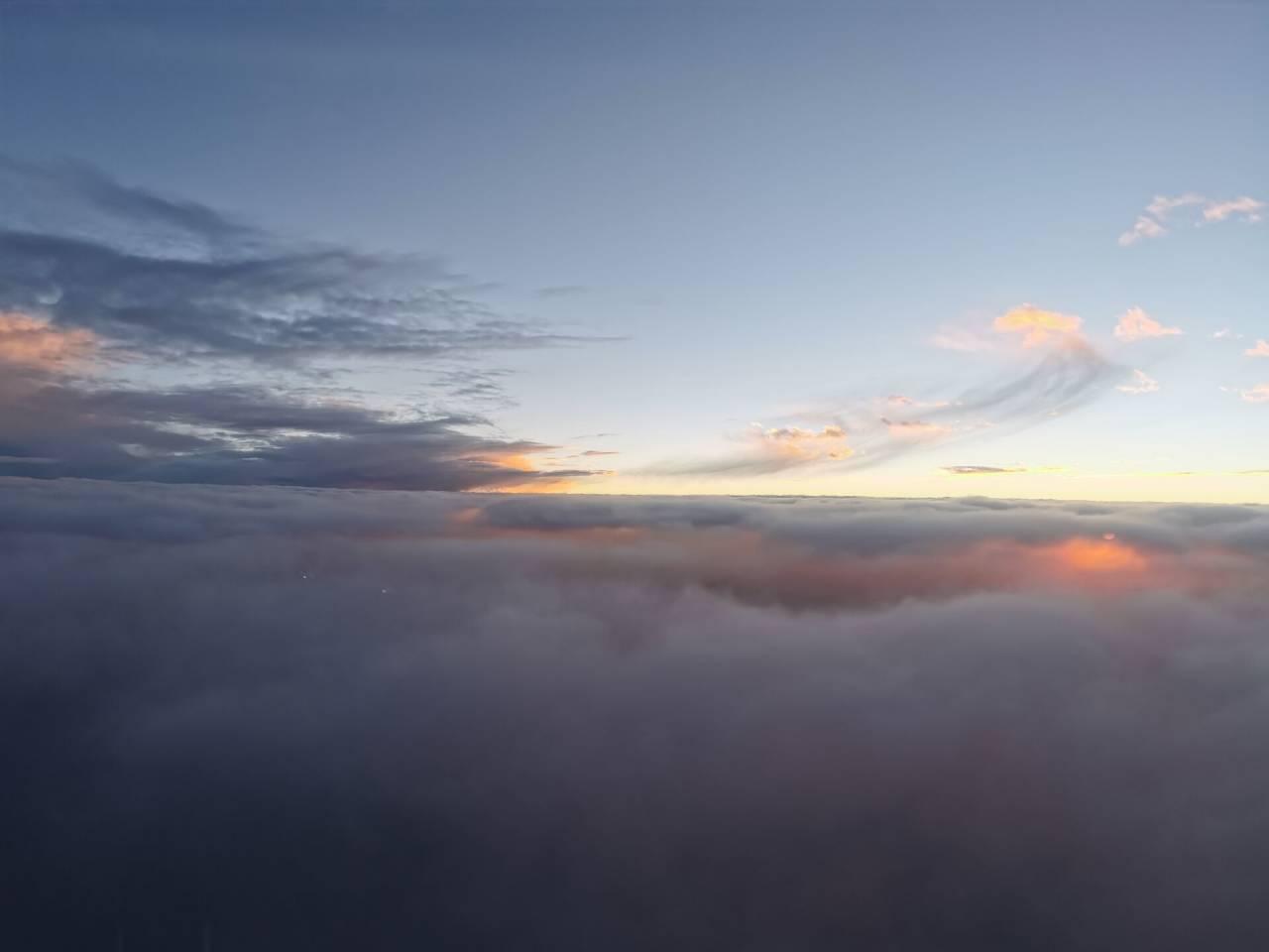 空中看落日3.jpg