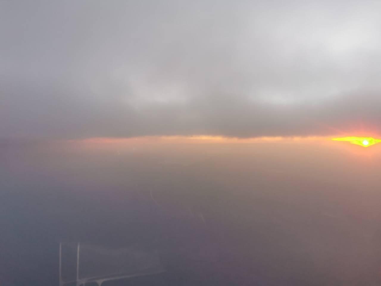 空中看落日4.jpg