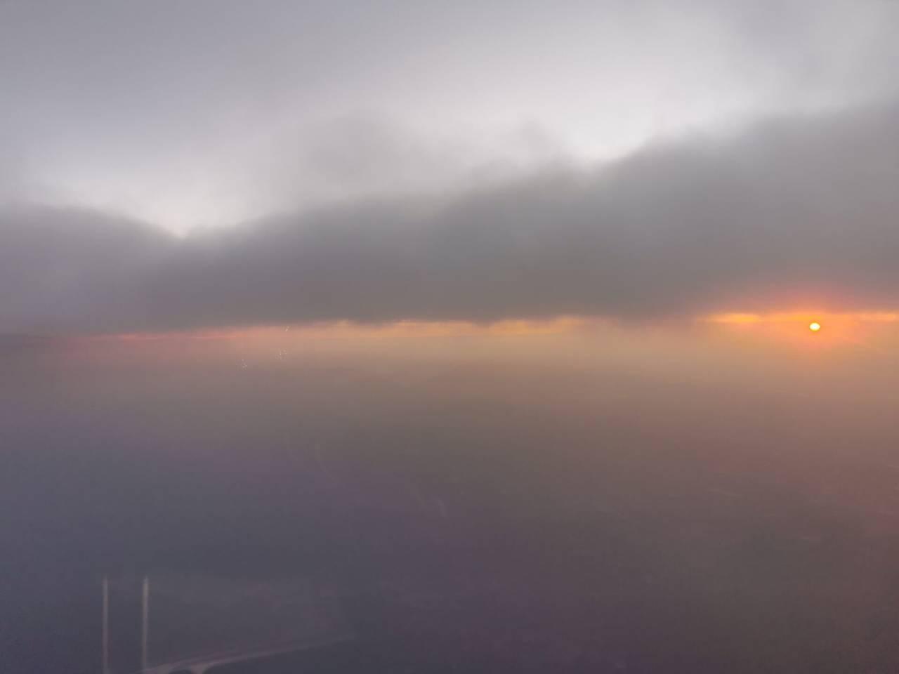 空中看落日5.jpg