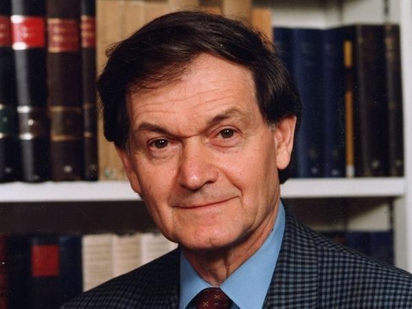 Roger Penrose   loffit_roger-penrose_04-600x450-1596703657.jpg