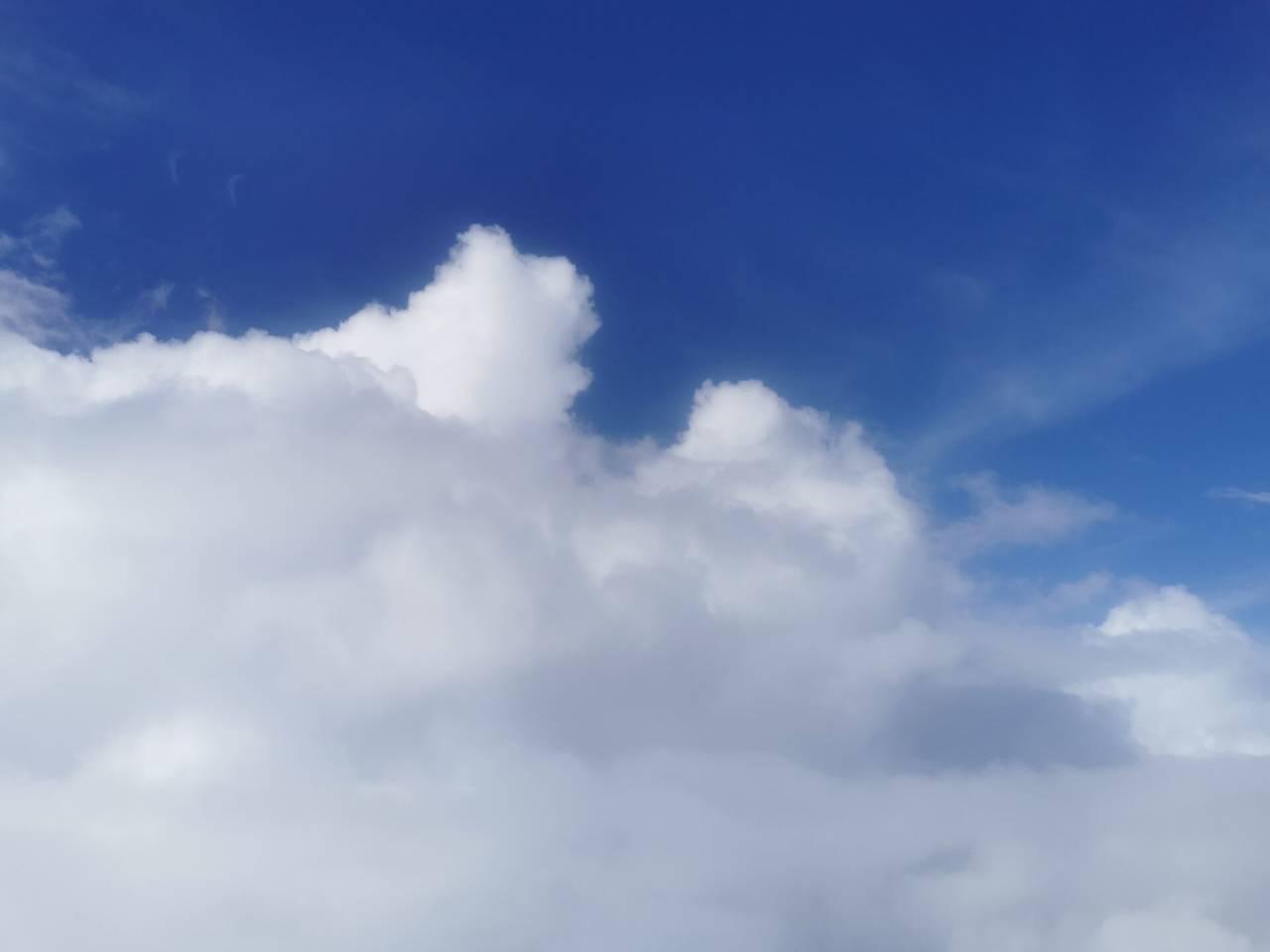 白云深处有人行01.jpg