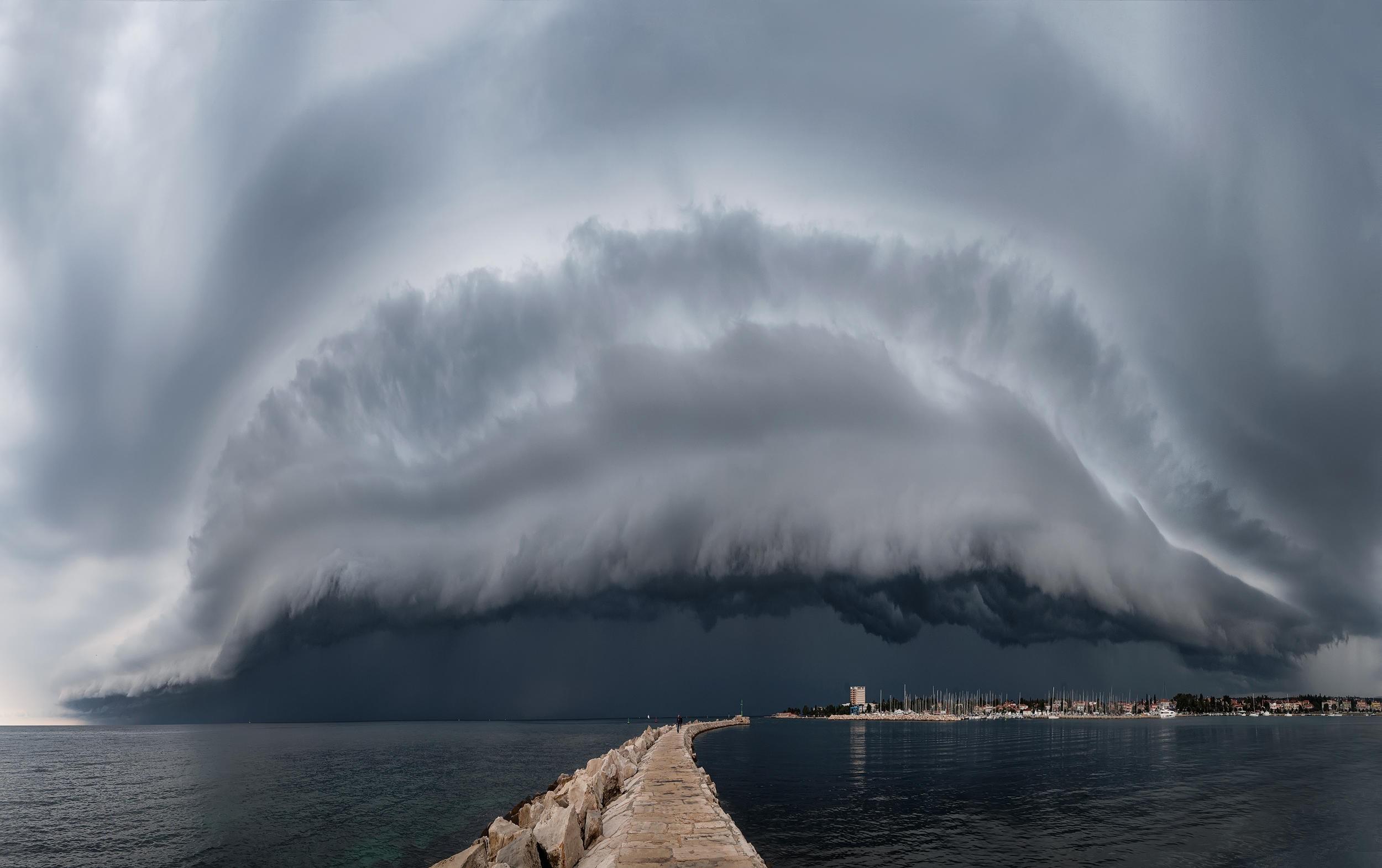 怪兽云.jpg