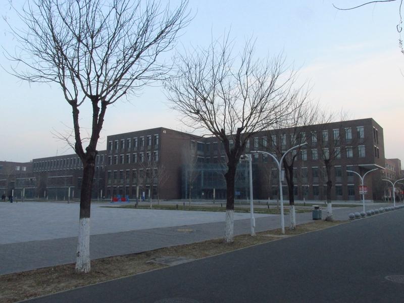 第45、46、48教学楼一瞥 07 IMG_5939_副本.jpg