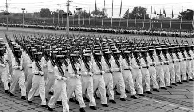1954年10月1 日,解放军空军学院受阅,吴摄.jpeg