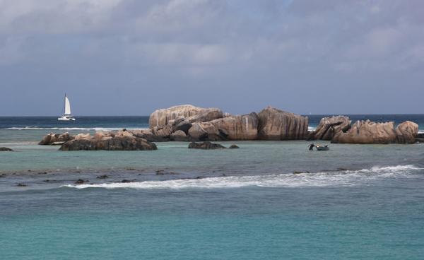 2015年 塞舌尔群岛拉蒂戈岛的一角.jpg