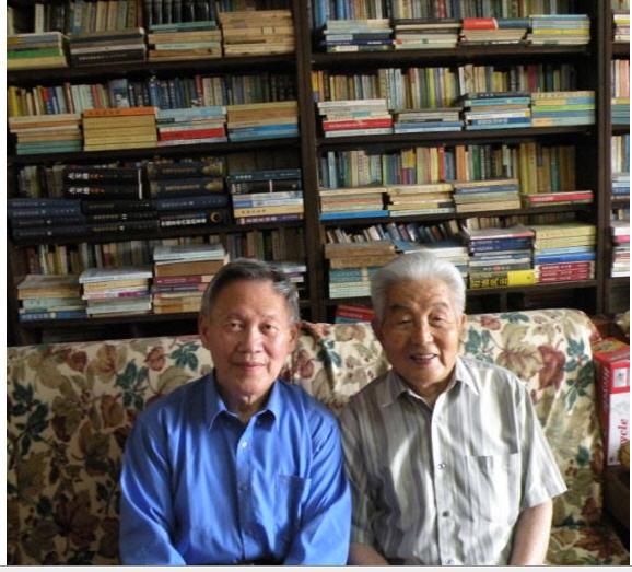 三09 2012-05-28在黄安年家合影.jpg