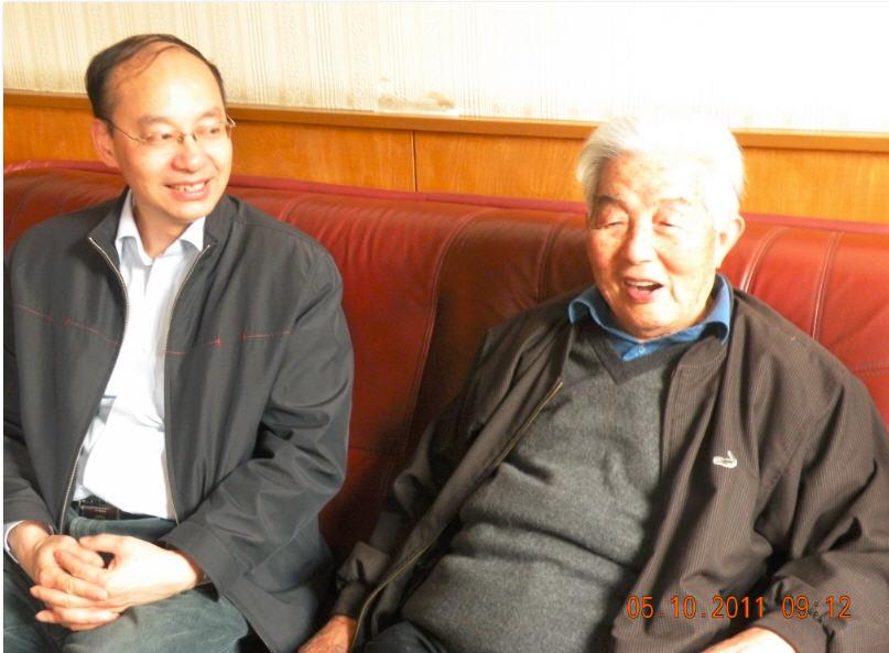 三13 2011-05-10李剑鸣和邓蜀生在人民出版社合影.jpg