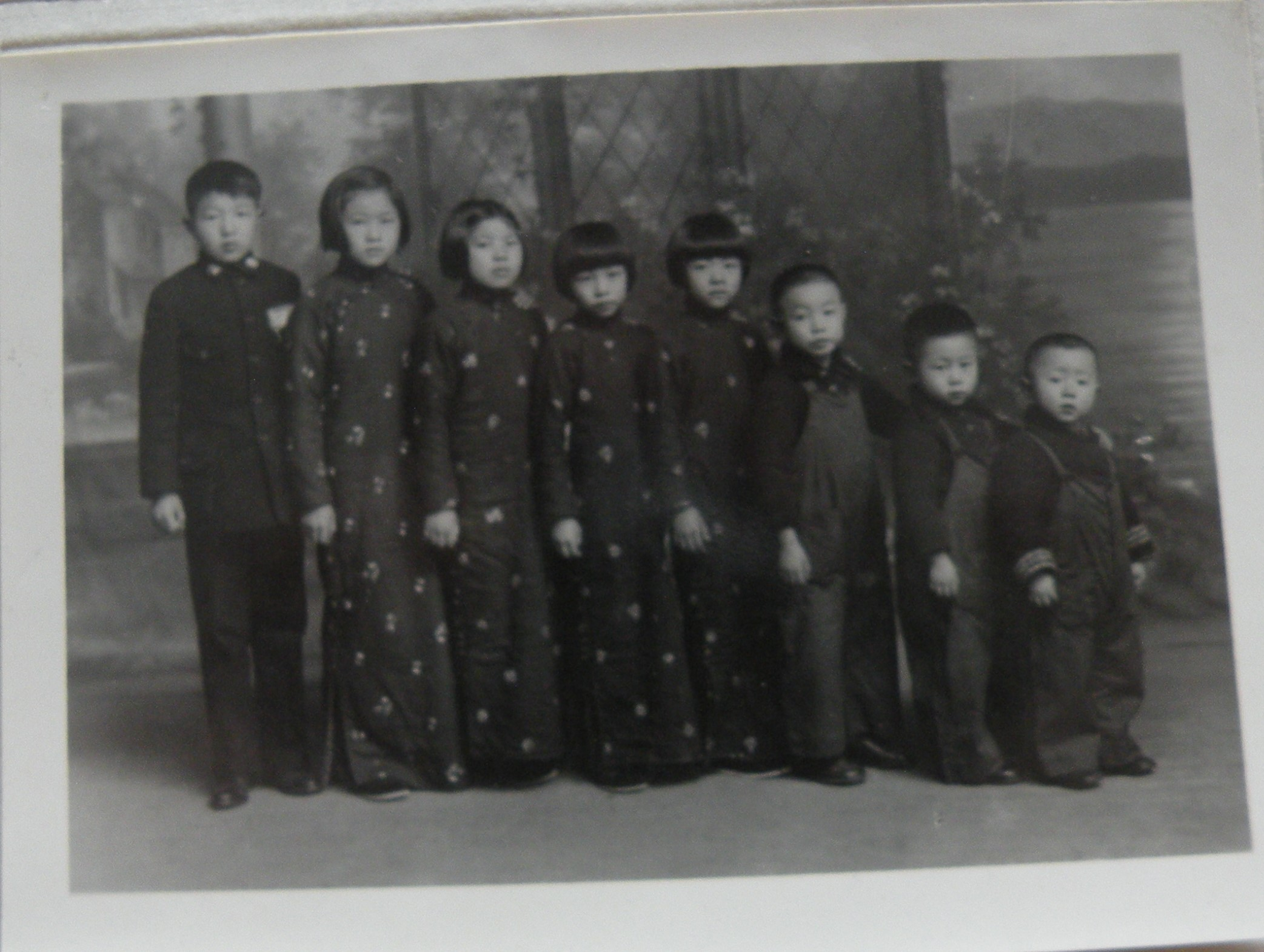 四03 1936年报3岁时全家福.JPG