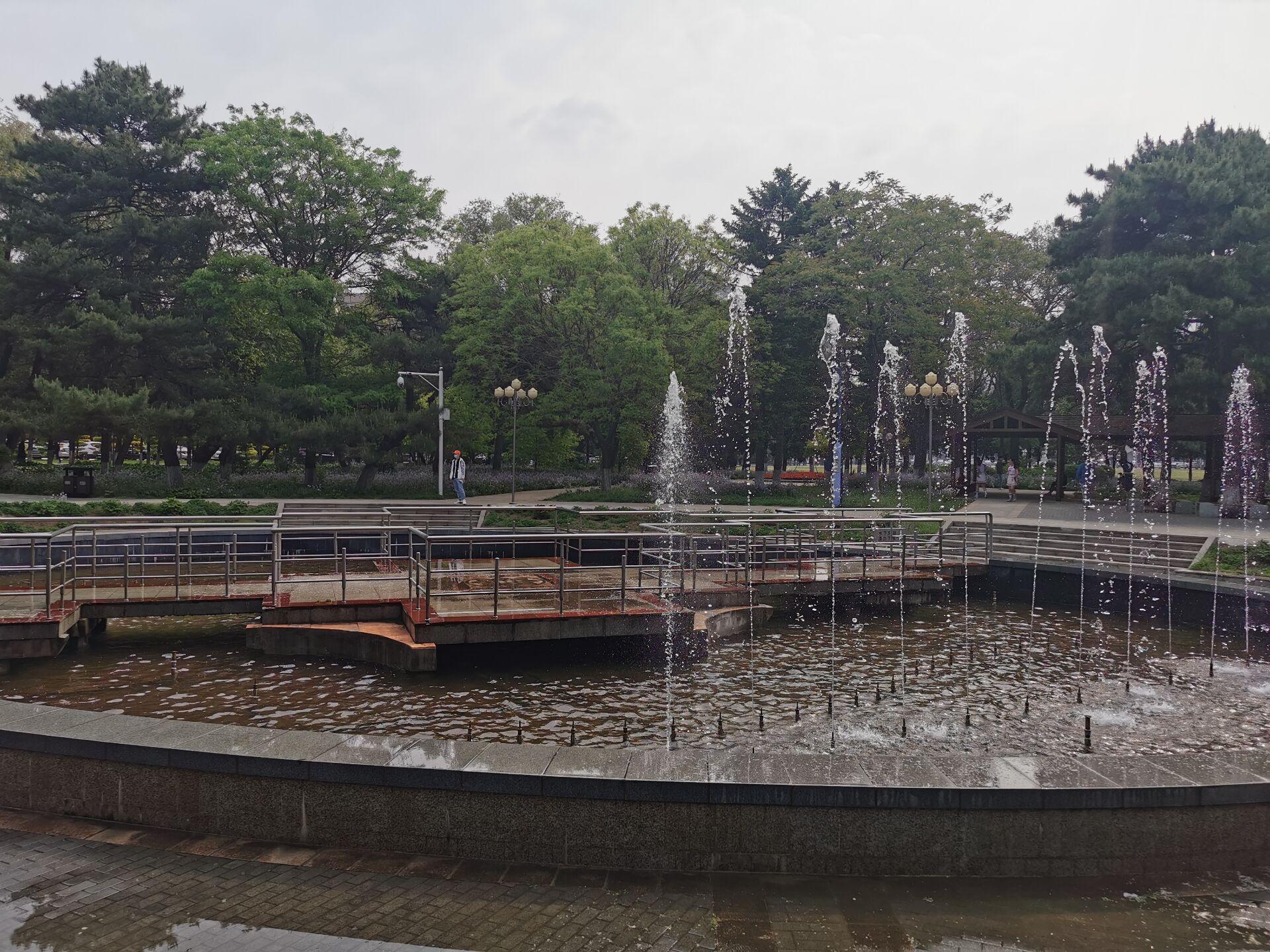 沈阳东北大学中心花园05.jpg