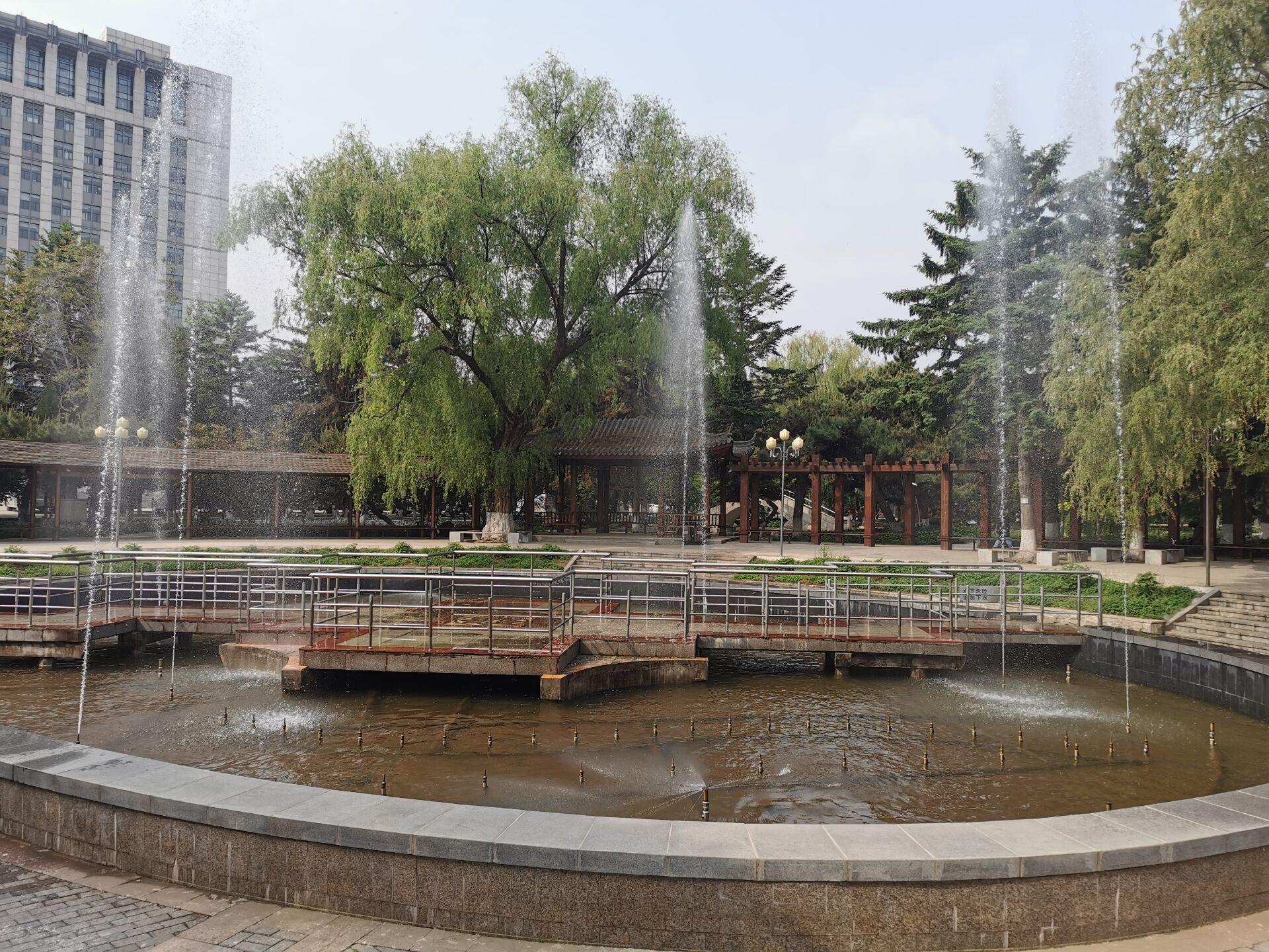 沈阳东北大学中心花园09.jpg