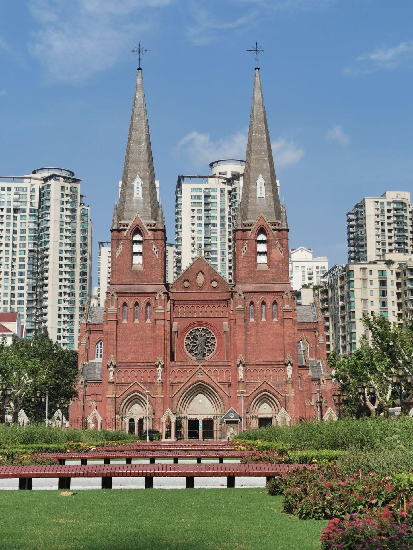徐家汇教堂广场:台风中和台风后4.jpg