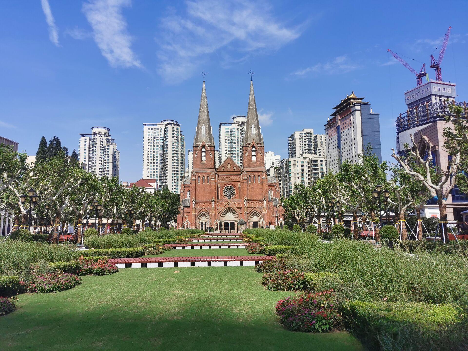 徐家汇教堂广场:台风中和台风后5.jpg