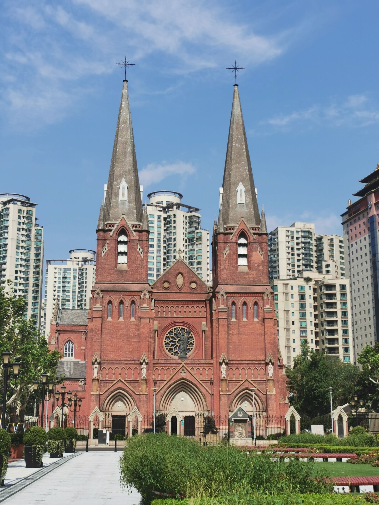 徐家汇教堂广场:台风中和台风后6.jpg