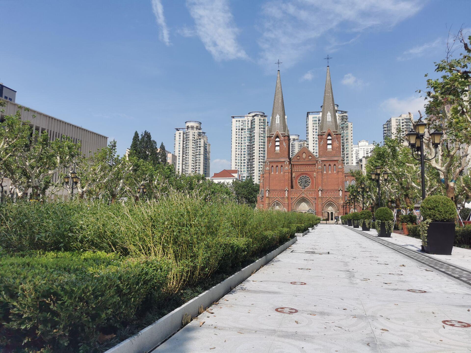 徐家汇教堂广场:台风中和台风后7.jpg