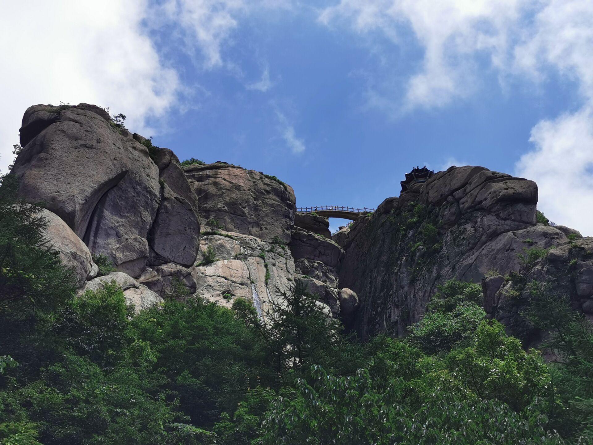青岛崂山先天桥和摘星亭03.jpg