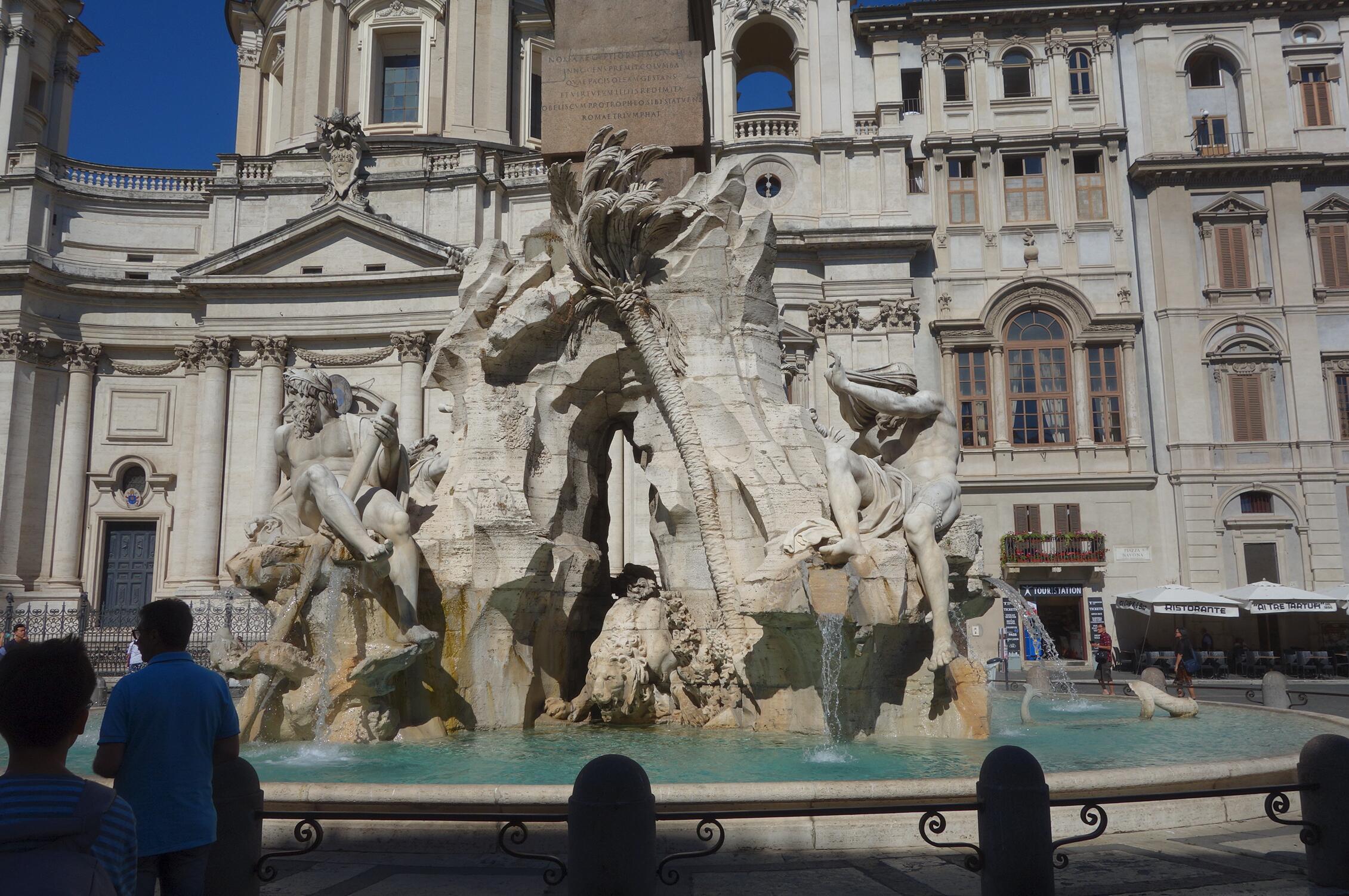 名作过眼:贝尔尼尼的喷泉雕塑06.jpg