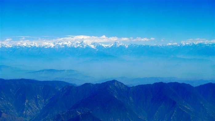 在飞机上看珠峰,真是要碰运气