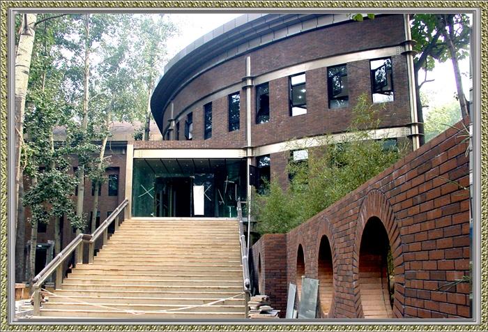 西安科技大学建筑_西安建筑科技大学草堂校区的学校图片